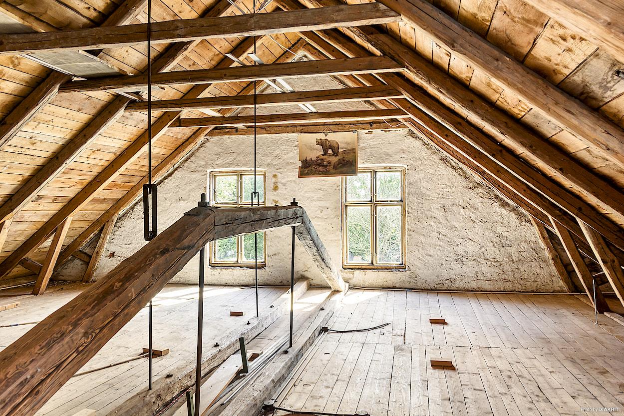 Hustipset: folkskolan i vanstad   nu bygger vi om en lada   en av ...